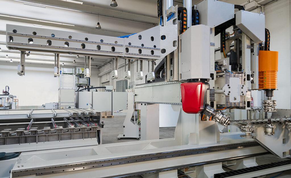 Centro di lavoro CNC a 5 assi Woodpecker Mirai Saomad